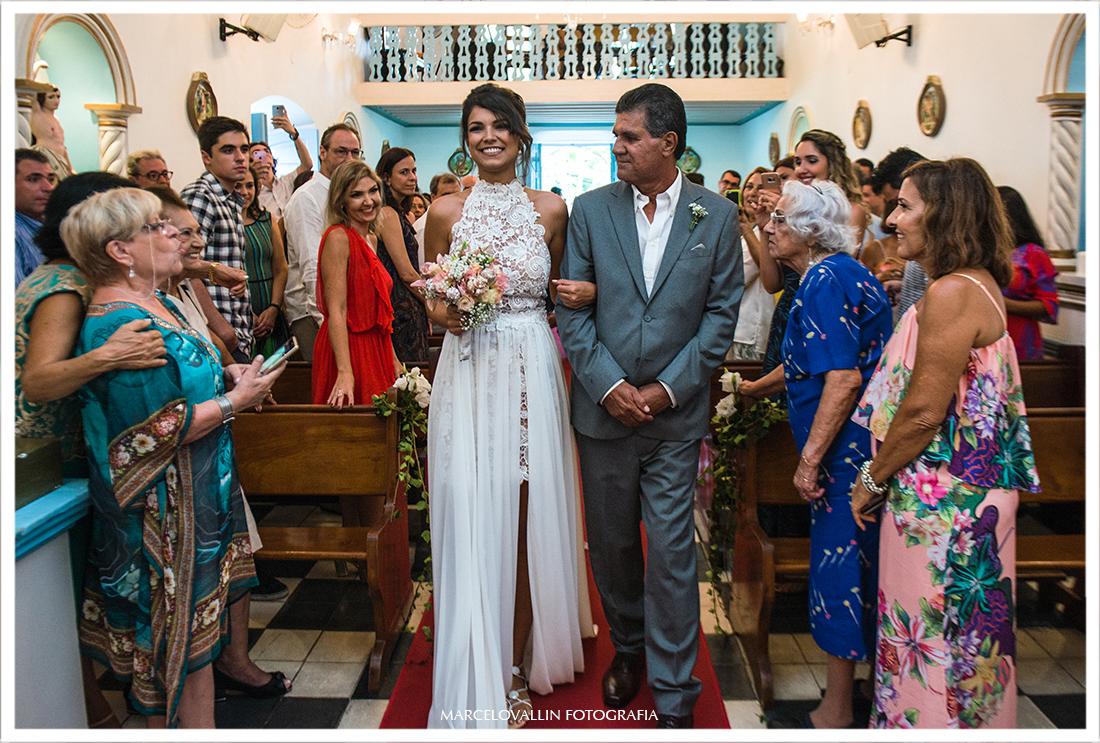 Noiva na Igreja de Arraial do cabo RJ