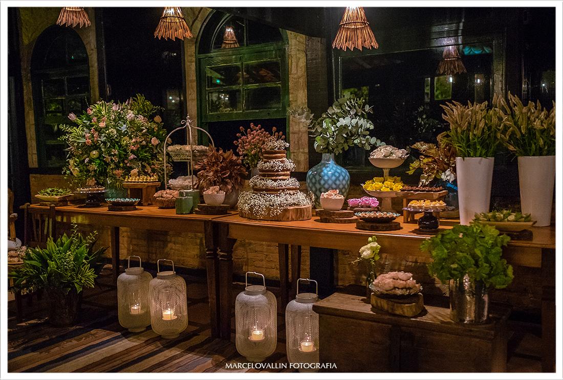 Foto decoração mesa do bolo doce da Alicia em Arraial do cabo