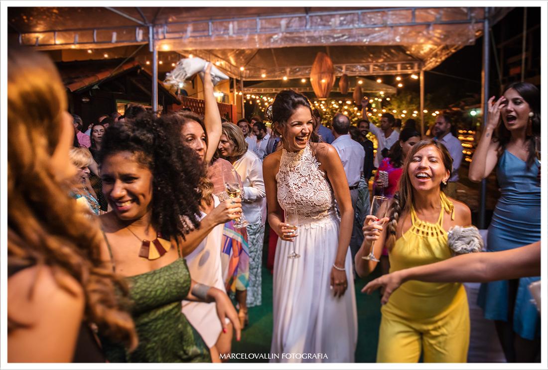 Noiva na pista de dança, pousada Tantomar