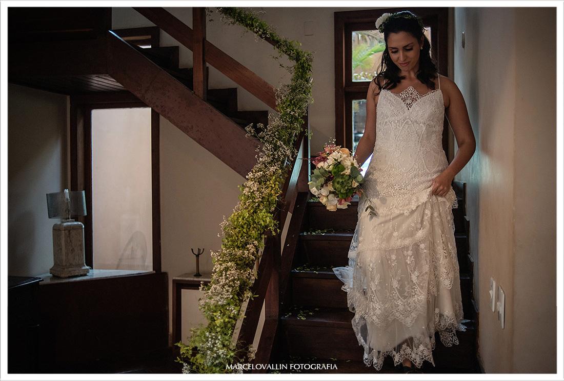 Casamento RJ, noiva descendo as escadas do quarto