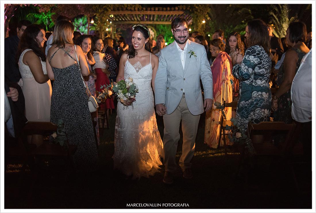 Foto da Saída dos noivos da cerimonia de casamento