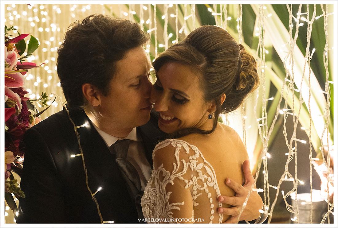 Casamento RJ - Foto dos noivos com leds