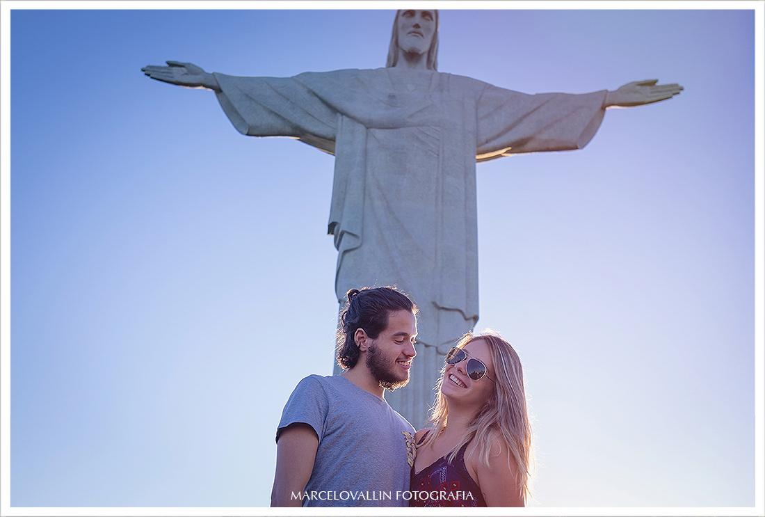 Ensaio fotográfico pré wedding no Cristo redentor RJ