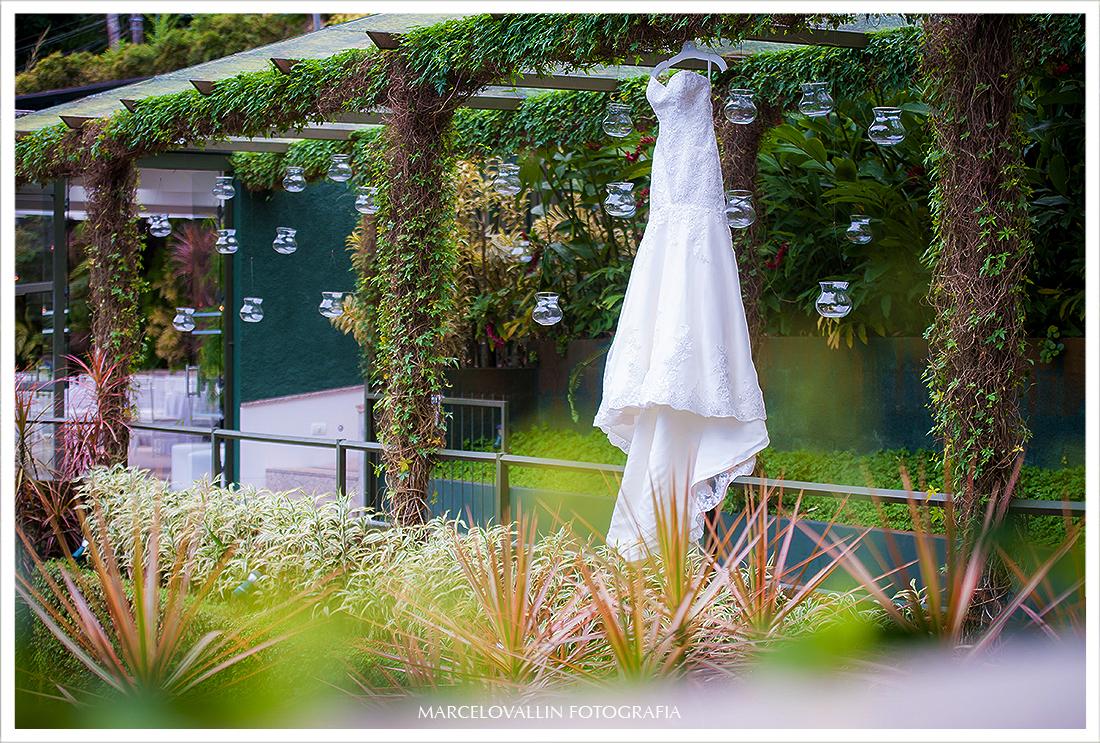 Foto de Casamento RJ - Vestido de Noiva - Casa das Canoas