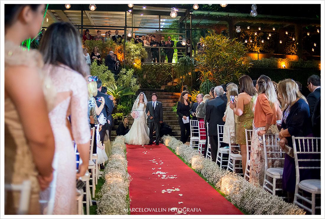 Foto de Casamento RJ - Entrada da Noiva - Casa das Canoas