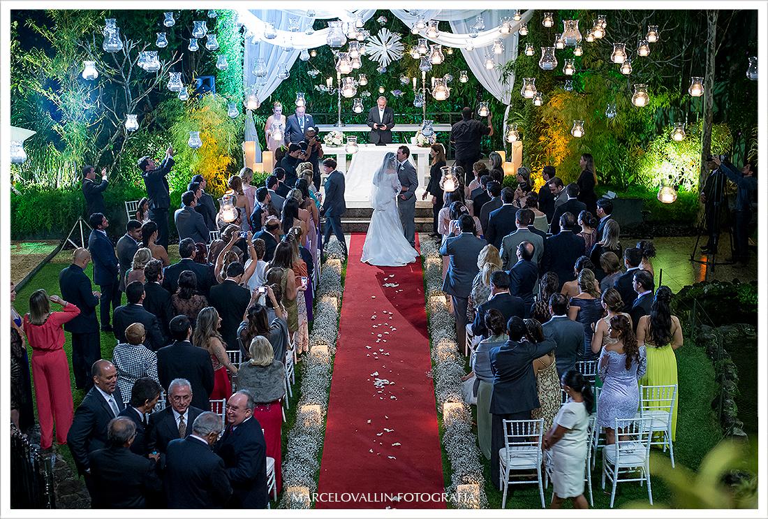Foto de cerimonia de Casamento RJ - Noivos Casa das Canoas