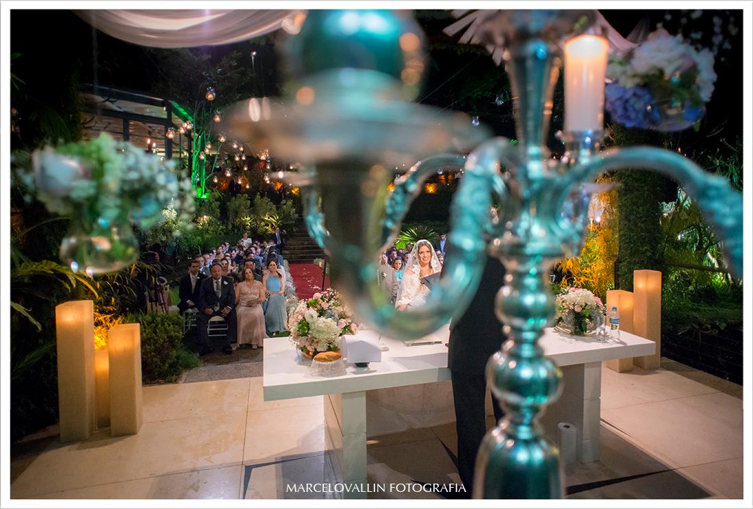 Foto de cerimonia de Casamento - Noivos Casa das Canoas
