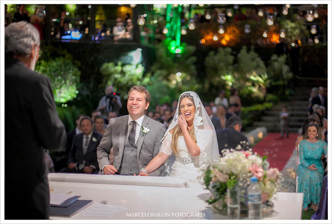 Foto de Casamento - Noivos Casa das Canoas
