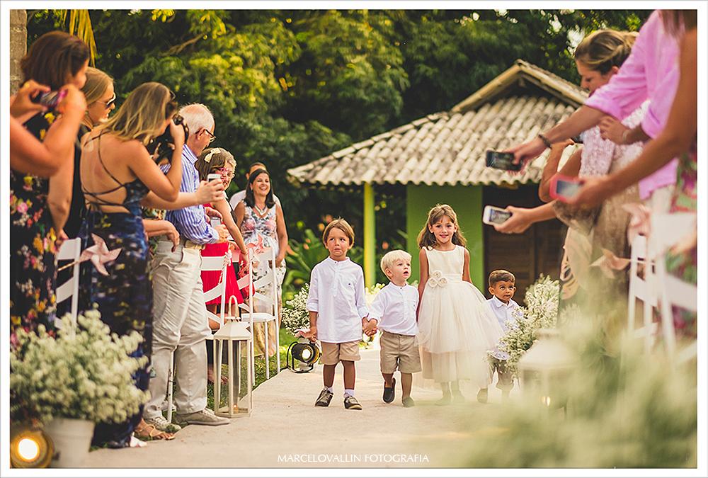 Fotografo de Casamento - entrada das crianças - Praia dos Carneiros PE