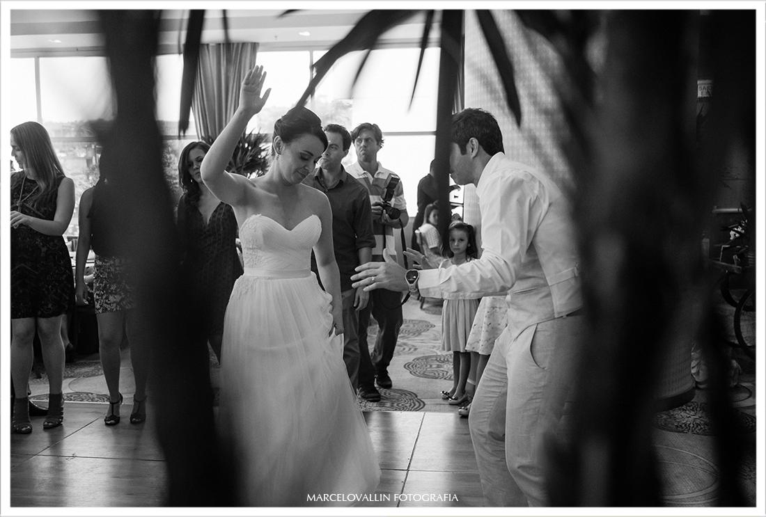 Noivos dançando mini wedding Hotel Sheraton São Conrado