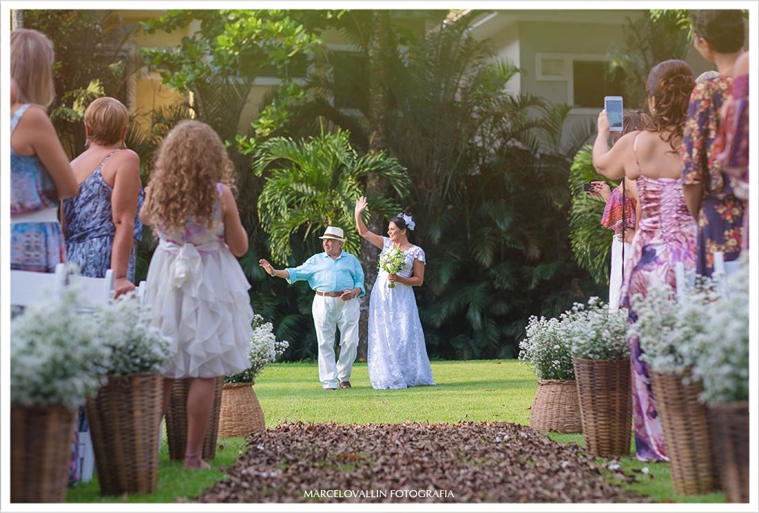 foto da entrada da noiva Casamento Sitio Veredas