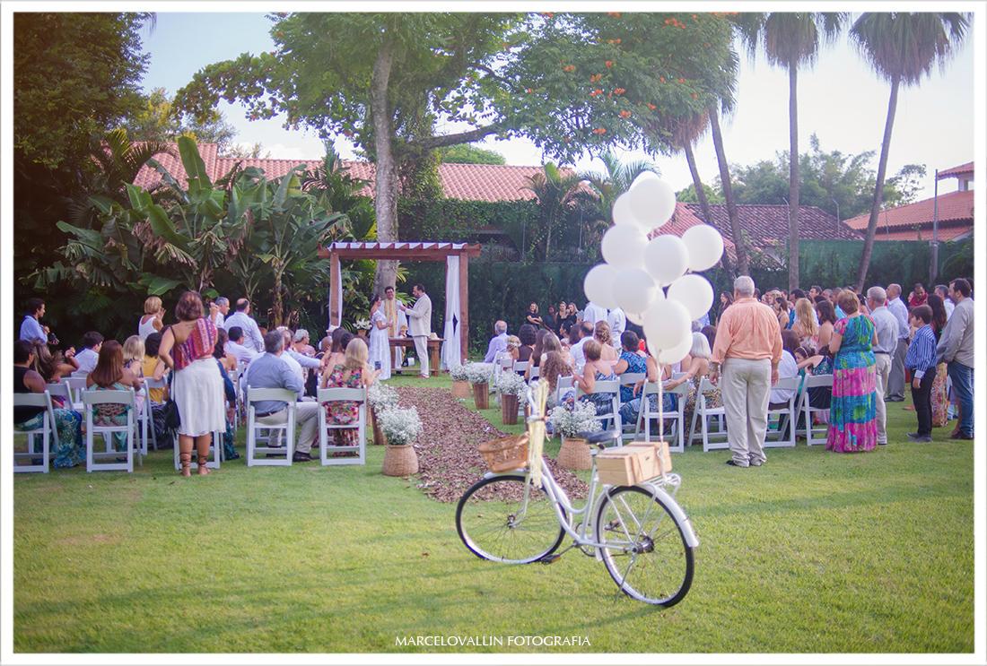 Foto dos Noivos na cerimonia de casamento Sitio veredas