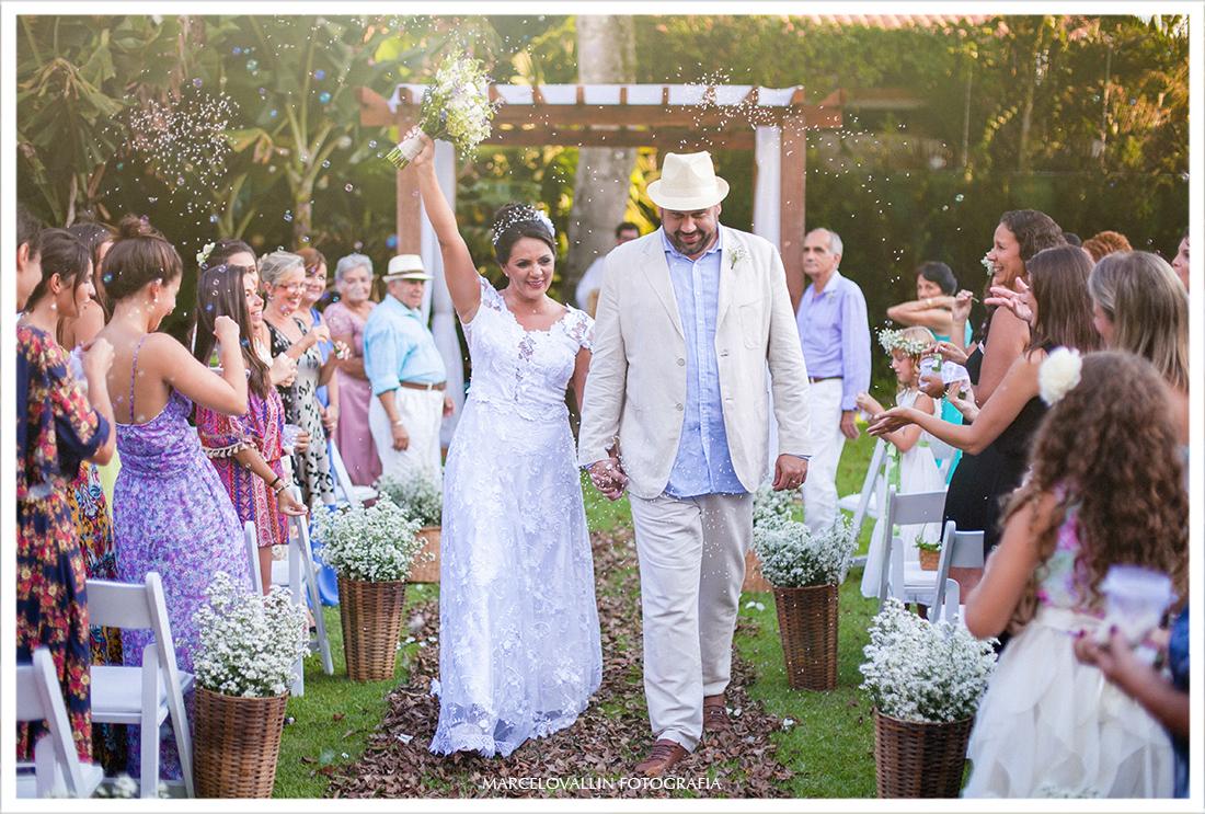 Foto da saída da noiva casamento Sítio Veredas
