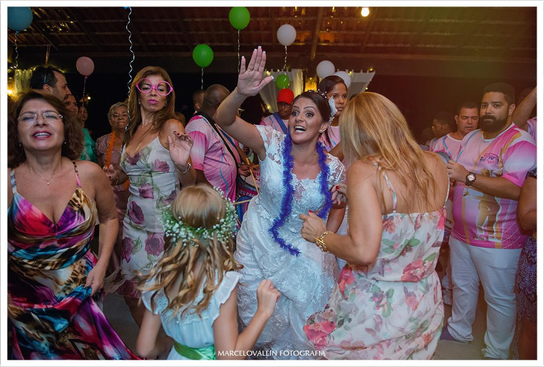 Fotos noiva dançando em festa de casamento Sítio Veredas