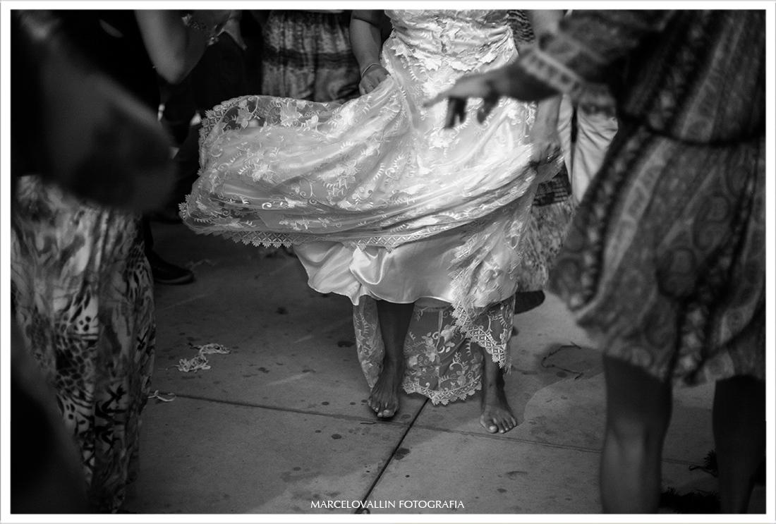 foto de vestido de noiva rodando