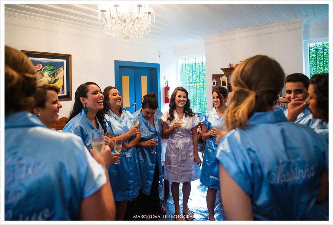 Fotografia de Casamento Petrópolis - Noiva e madrinhas Pousada Vila Brasil