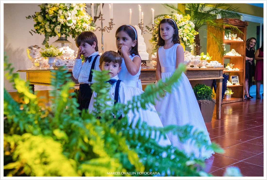 Fotografia de Casamento Petrópolis - Daminhas na cerimonia