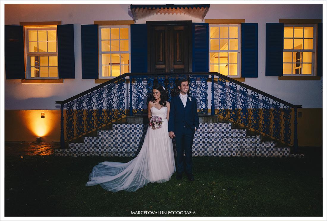 Fotos dos noivos pós cerimonia Vila Brasil