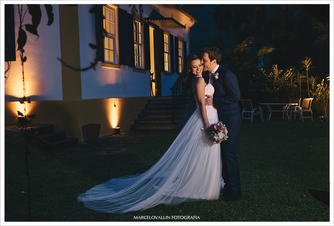 Fotos dos noivos pós cerimonia Pousada Vila Brasil