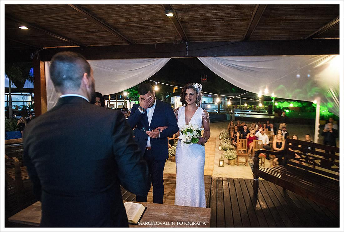Fotografia de cerimonia de casamento ao ar livre