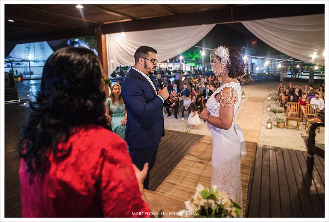 Foto de troca de Alianças na cerimonia de casamento