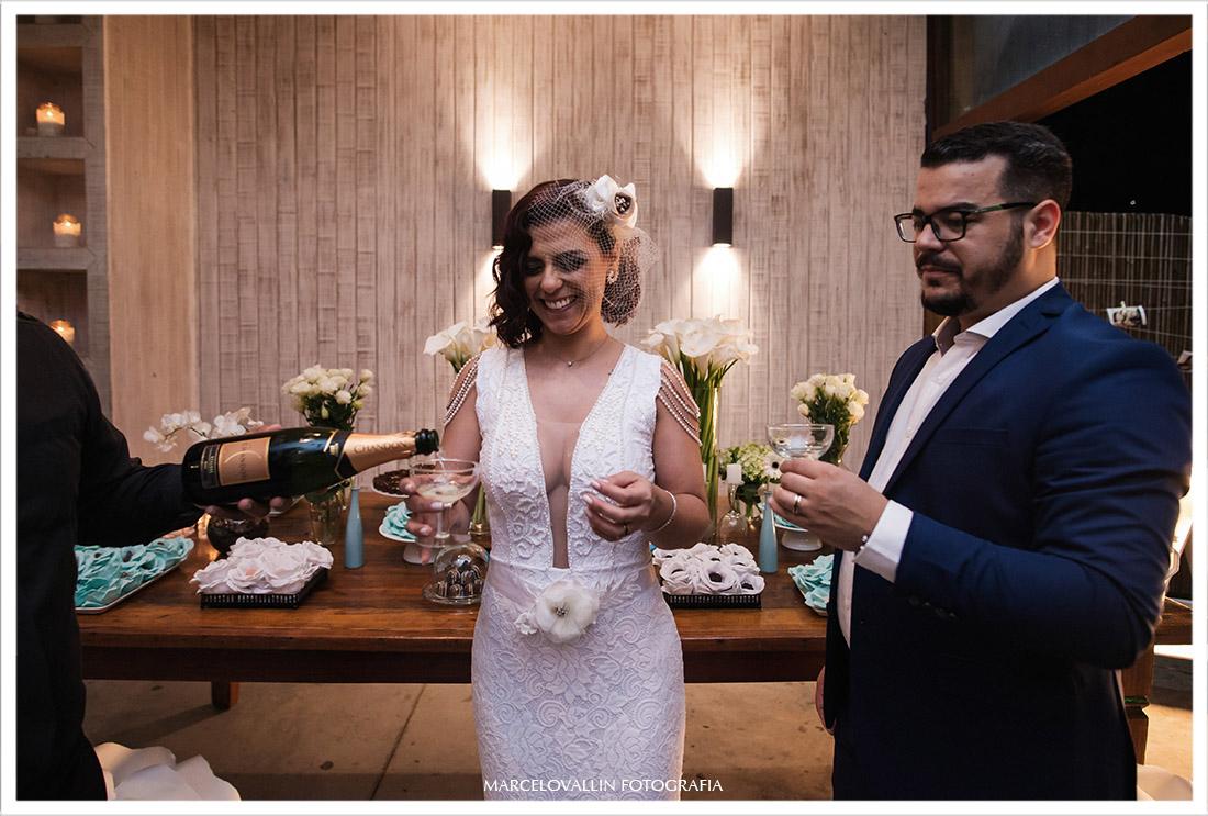 Foto do brinde dos noivos rj