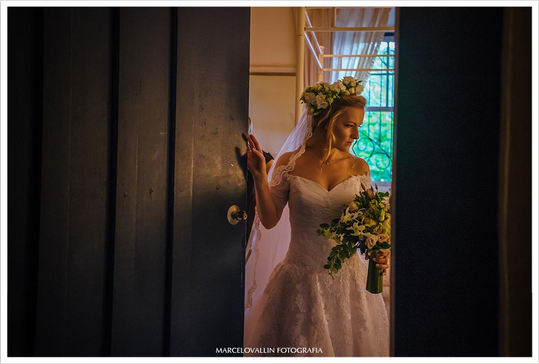 Vestido de noiva em casamento no campo SP