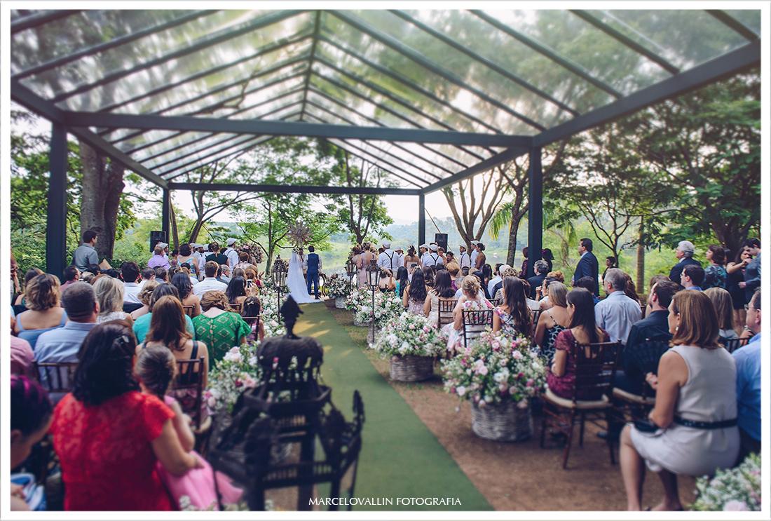 Foto dos noivos na cerimonia de casamento