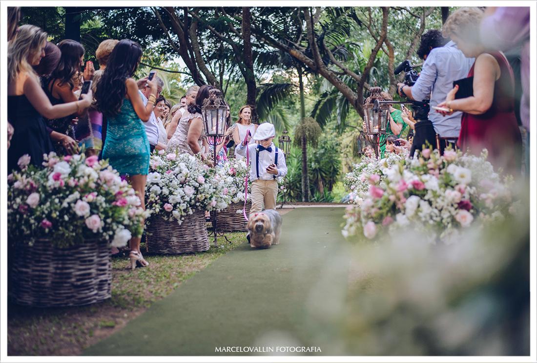Casando no campo SP - entrada das alianças