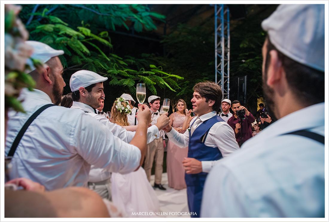 fotodo noivo em festa de casamento sp
