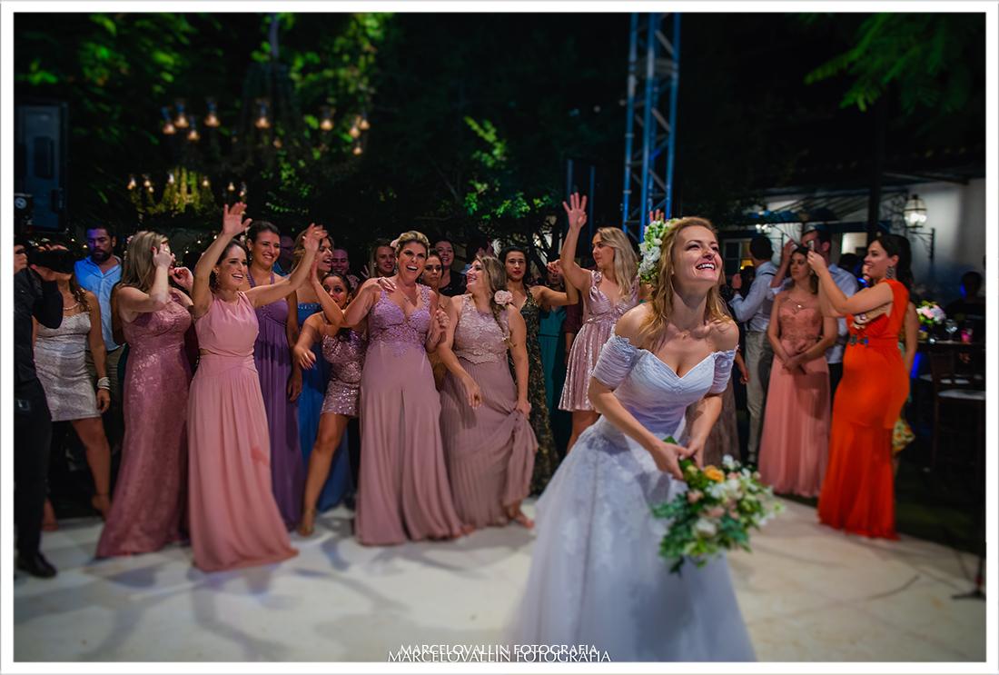foto de festa de casamento no campo rj