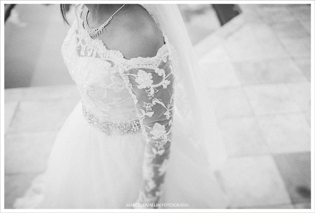 Casamento RJ - Fotografia da noiva com vestido