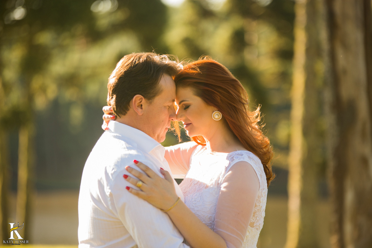 Ensaio pré casamento do casal Ilenir e Alexsandro na vinícola Vilagio Grando em Santa Catarina pela fotógrafa Katy Tesser