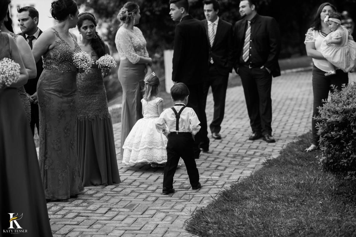 Casamento de vanuelli e Jean aconteceu em quedas do Iguaçu, paraná registrado pela fotógrafo Katy Tesser, a cerimonia aconteceu na igreja matriz