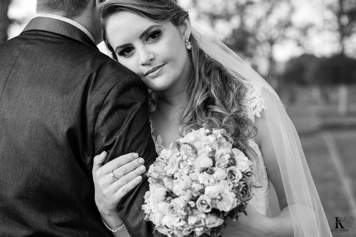 casamento tiago e analice em quedas do iguaçu sessão de fotos dos noivos depois da cerimonia fotografo katy tesser