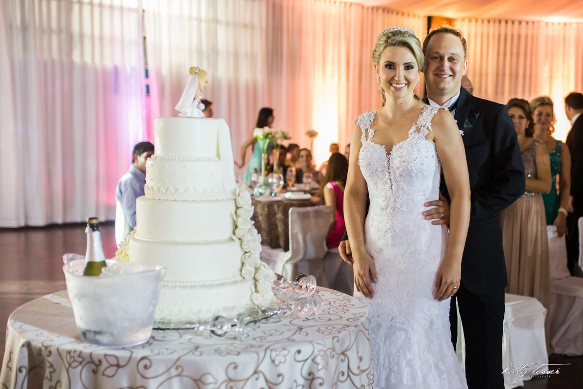 bolo de casamento, corte do bolo,  brinde de casamento, caroline e fabiano, casamento de caroline e fabiano, convidados, decoração, decoração de casamento,katy tesser,katy tesser fotografa,katy tesser fotografia,katy tesser fotografo de casamento,katy tes