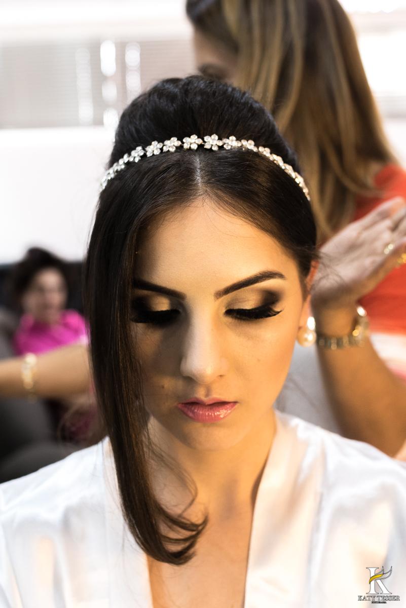 katy tesser,noiva, making of, vestido, maquiagem, sapato, bouquet, madrinha