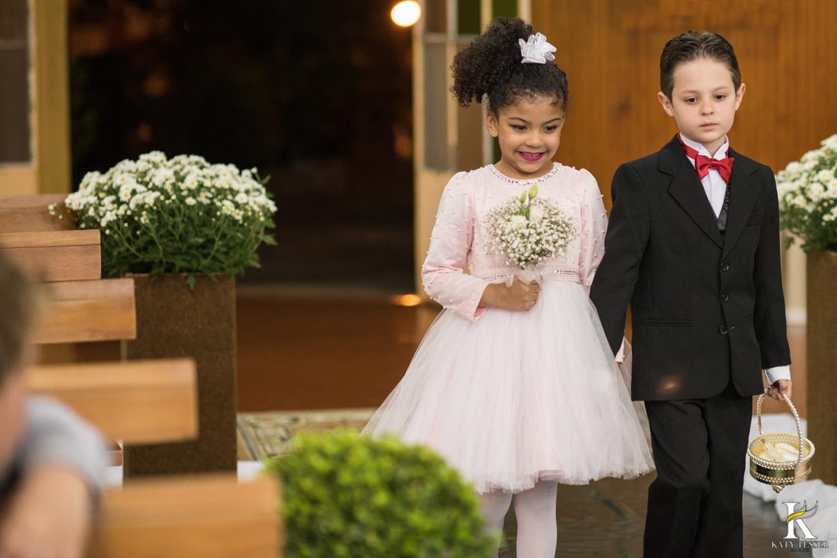 casamento, entrada da noiva, vestido de noiva, igreja, decoração de casamento, pai da noiva, bouquet de noiva, katy tesser, fotografo de casamento, noivo, aliança de casamento