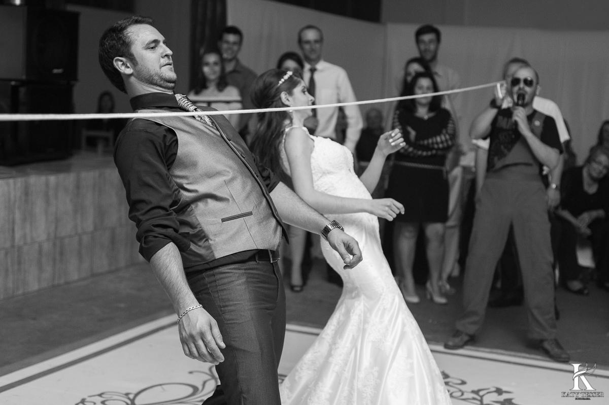 brinde dos noivos, champanhe, noivo, noiva, bouquet, vestido de noiva, casamento, katy tesser, fotografo, parana, doces de casamento, decoração de casamento, bouquet, festa de casamento