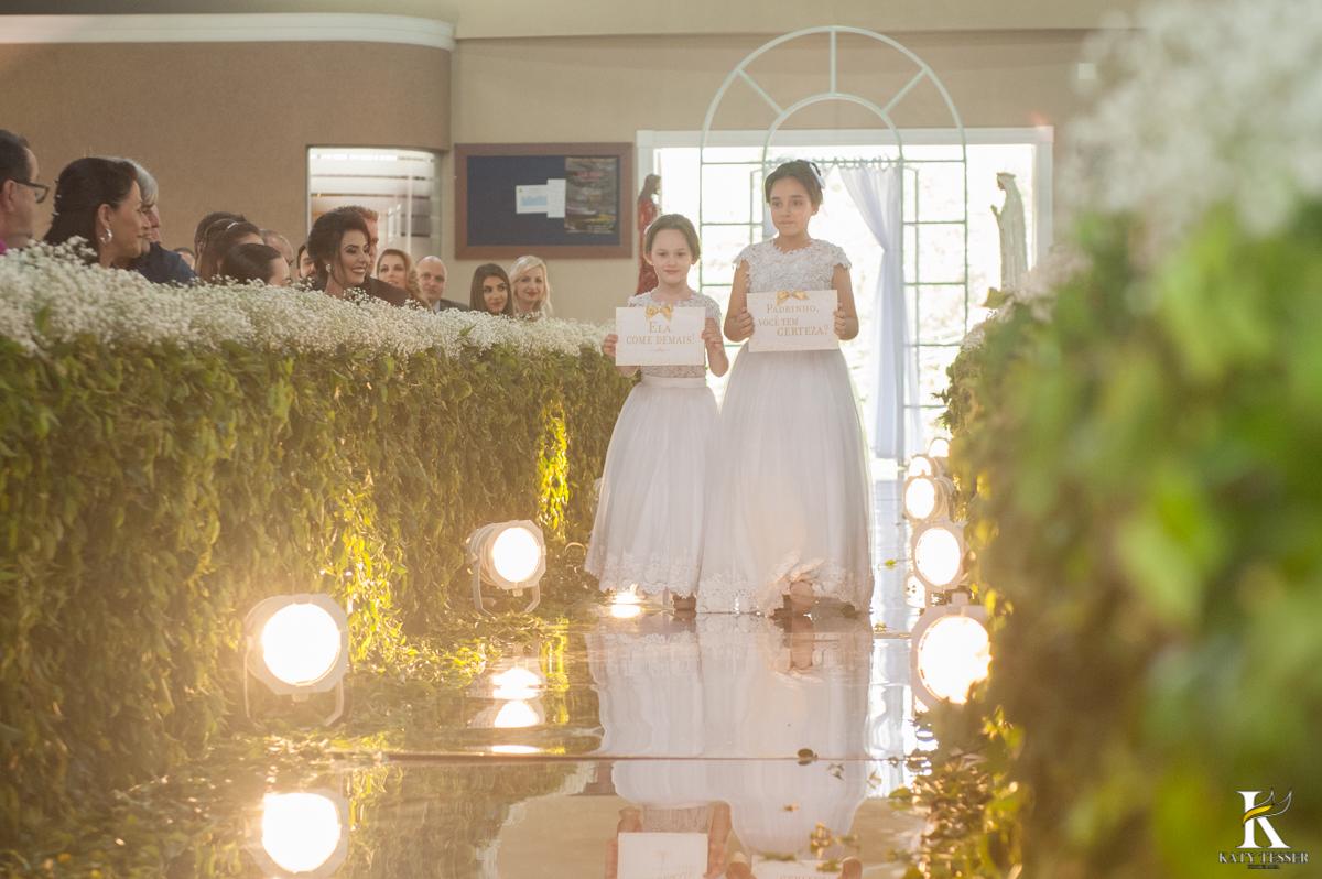 katy tesser, fotografo, casamento, noivo, noiva, igreja, decoração de casamento, madinhas, bouquet, vestido de noiva, cerimonia, padrinhos, daminhas