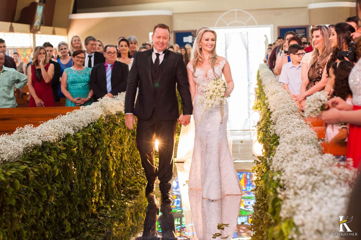 katy tesser, fotografo, casamento, noivo, noiva, igreja, decoração de casamento, madinhas, bouquet, vestido de noiva, cerimonia, padrinhos