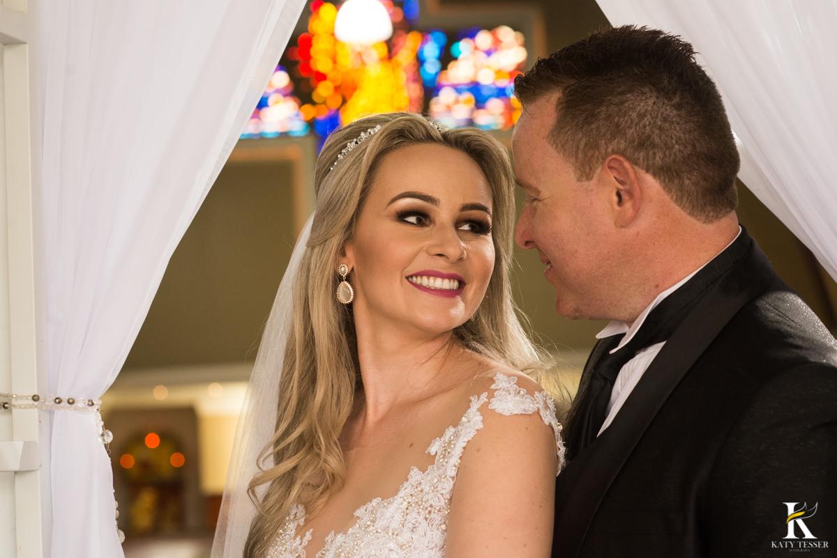 katy tesser, fotografo, casamento, noivo, noiva, igreja, decoração de casamento, madinhas, bouquet, vestido de noiva, cerimonia, padrinhos, sessão de fotos