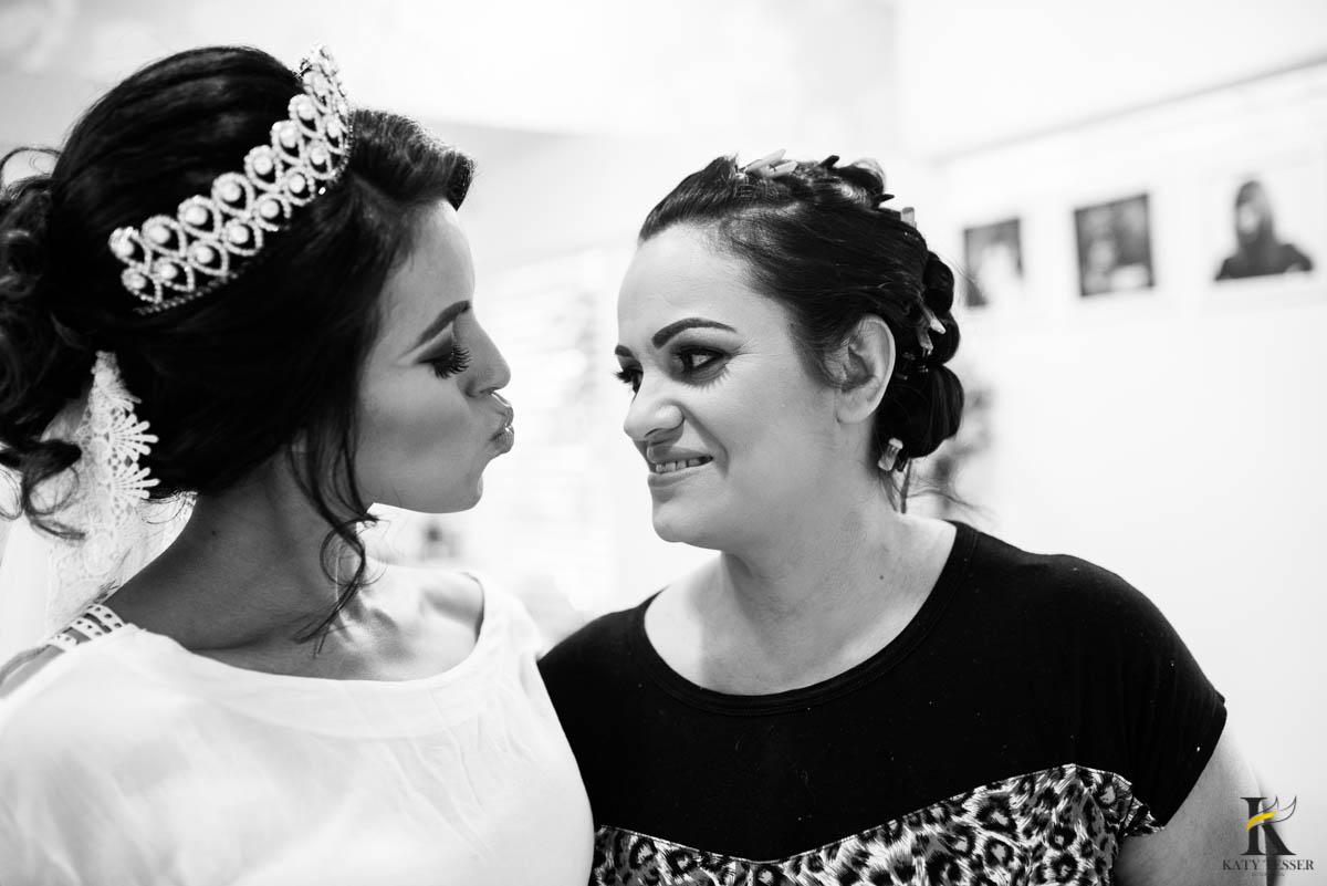katy-tesser-fotografo-casamento-making of-noiva-noivo-maquiagem-mae