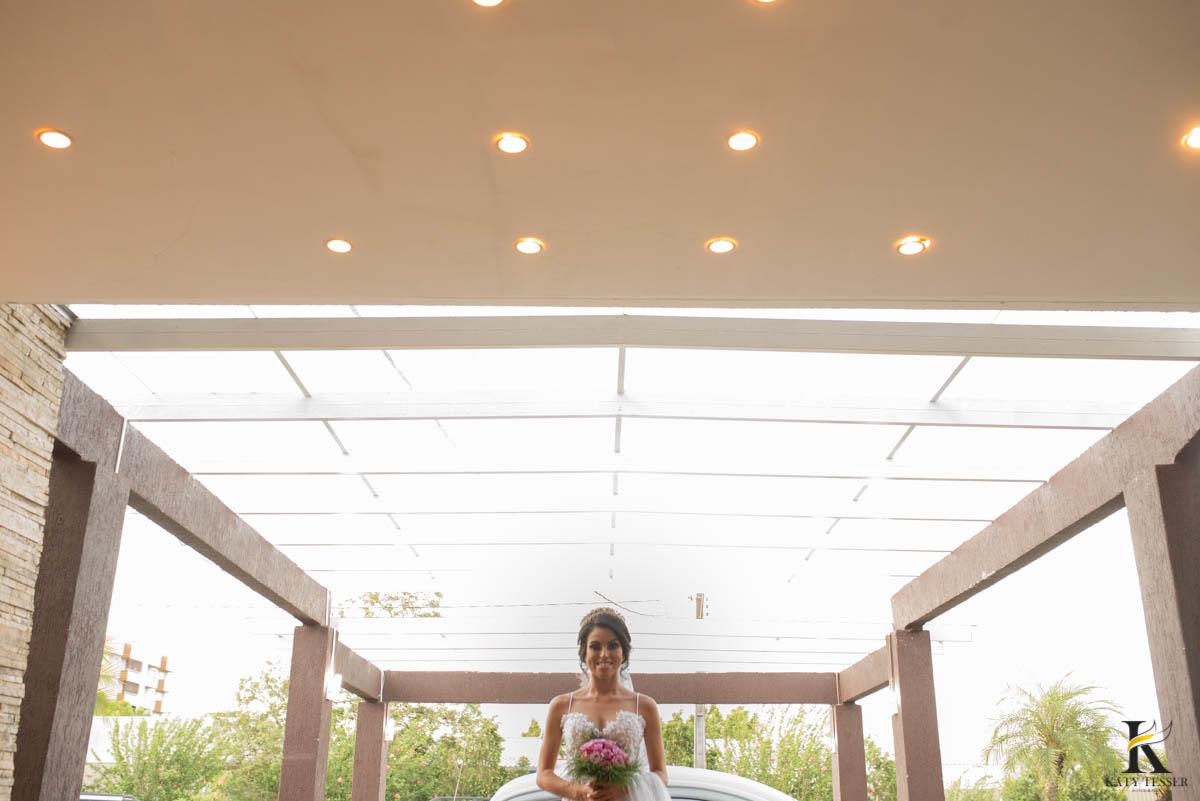 katy-tesser-fotografo-casamento-carro-noiva-vestido-bouquet-madrinha-padrinho