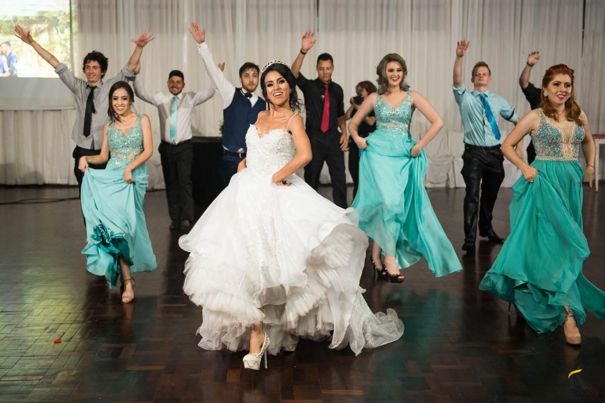 katy-tesser-fotografo-casamento-noivo-noiva-pais-vestido-veu-bouquet-buque-pais-cerimonia-religioso-decoracao-aliança-beijo-daminha-valsa