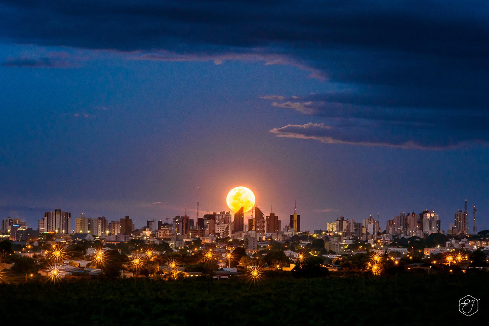 Imagem capa - A SUPER LUA EM CASCAVEL - PR por Edu Freire