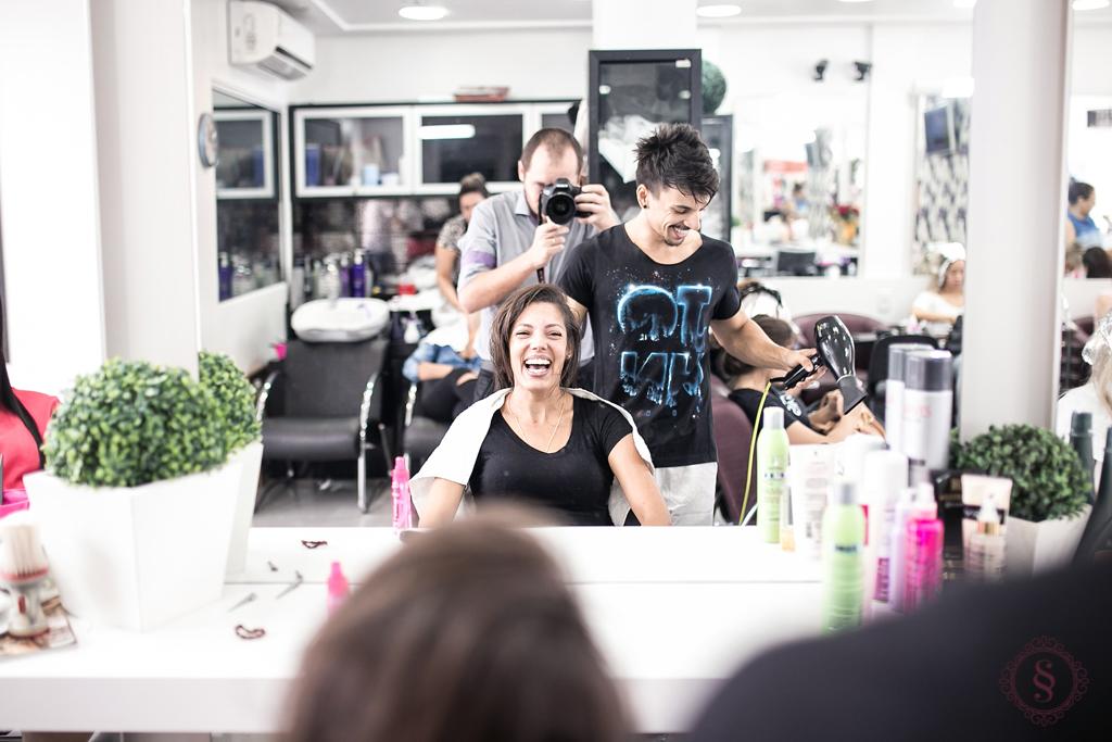 formanda fazendo penteado