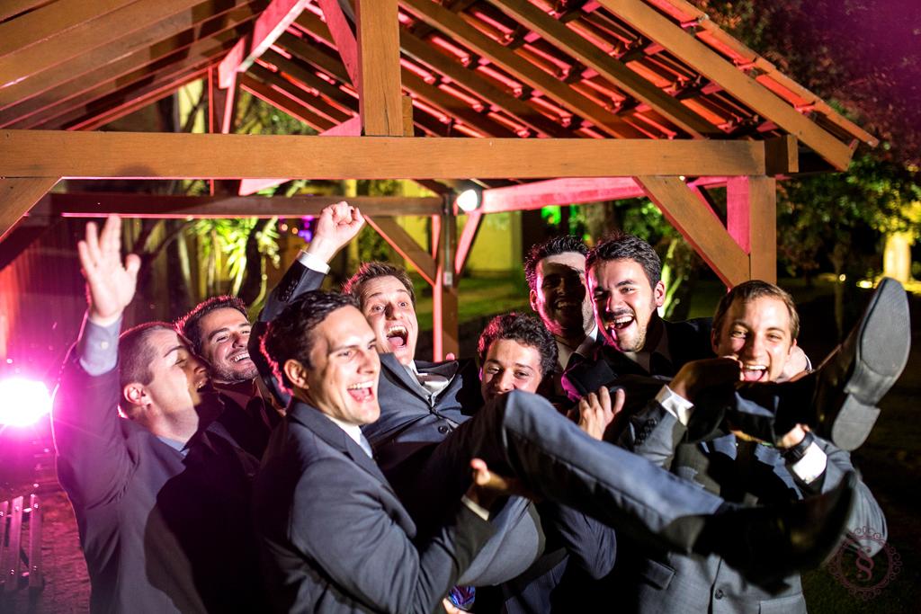 foto dos noivos antonio e carmen com os padrinhos em porto alegre rs