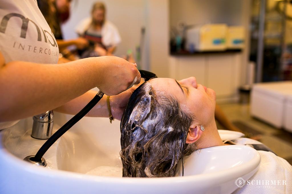 making of noiva andressa lavando cabelo