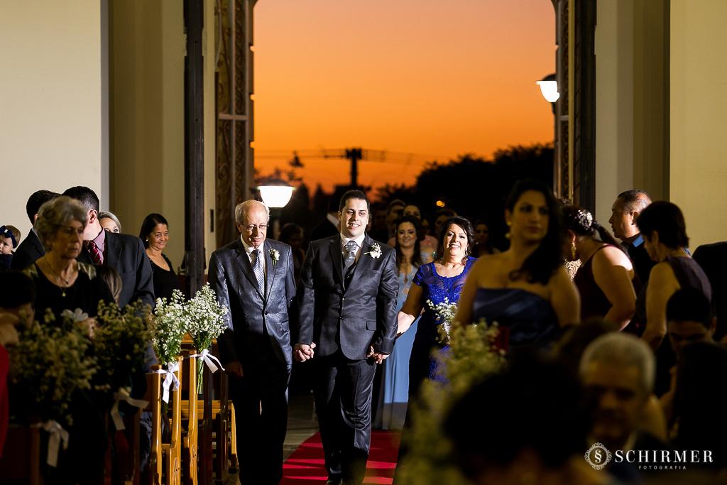 casamento porto alegre noiva andressa e jõao igreja santo antonio entrada do noivo